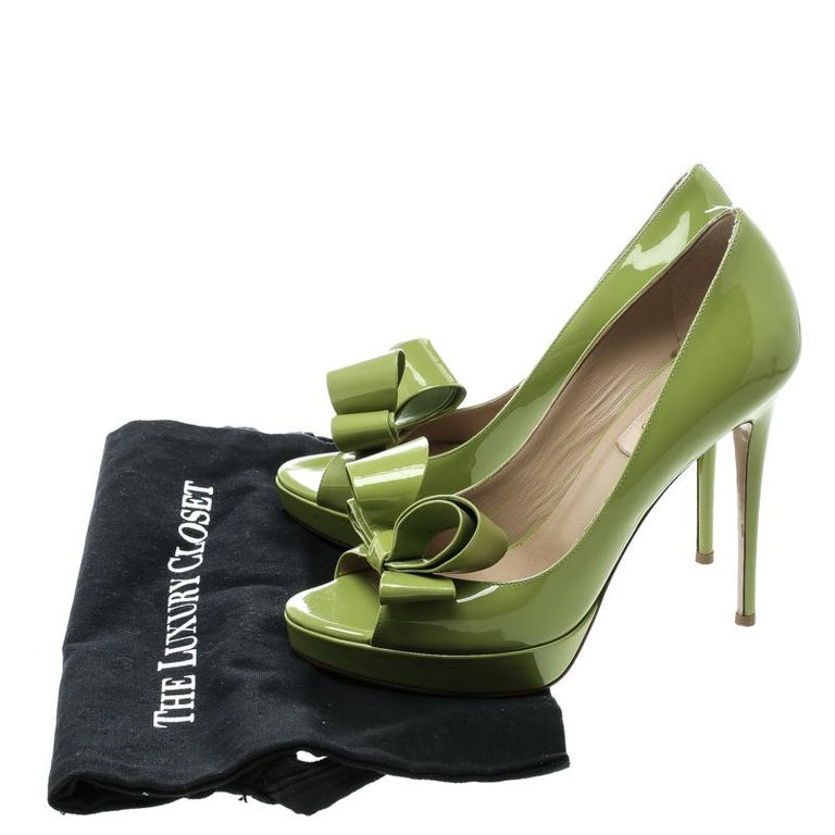 61b8748ddd9 Valentino Lime Green Patent Leather Couture Bow Peep Toe Platform Pumps  Size 38 For Sale 2