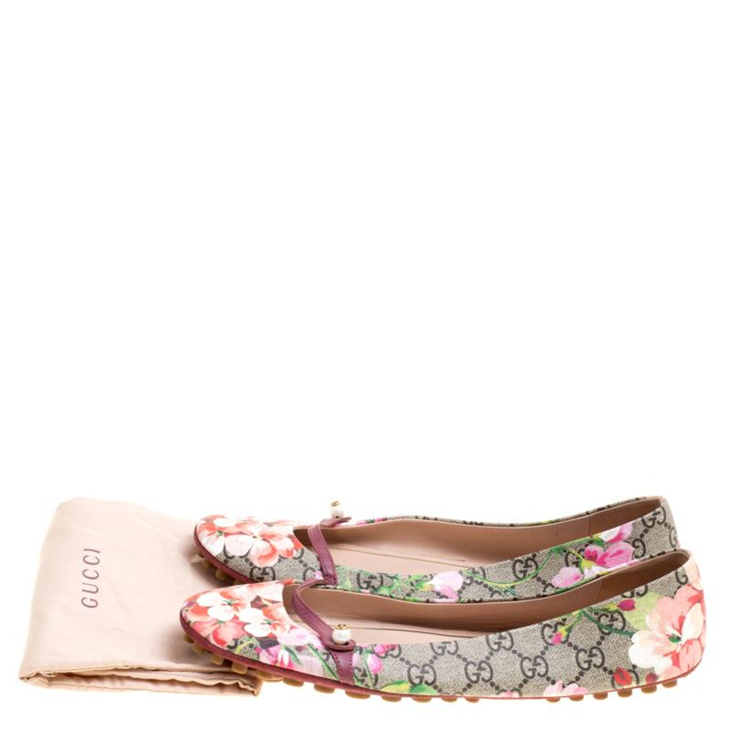 28fb806ea Gucci Biege GG Supreme Blooms Printed Canvas Ballet Flats Size 41 at 1stdibs