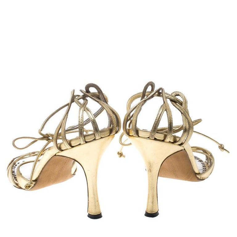 364235849726 Manolo Blahnik Metallic Gold Leather Strappy Ankle Wrap Sandals Size 38 In  Good Condition For Sale