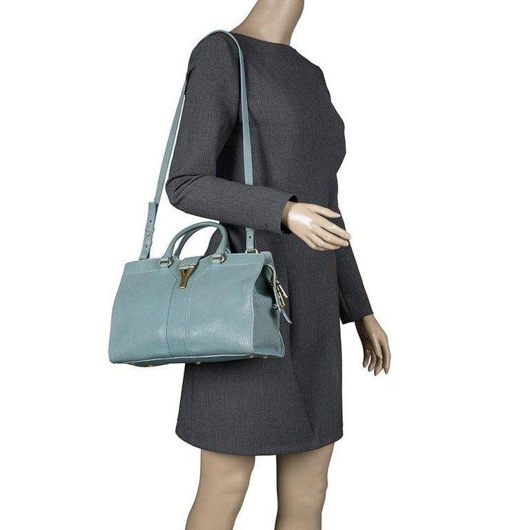 f620e71a33f This elegant light blue Cabas Chyc satchel from Yves Saint Laurent is ideal  for everyday use