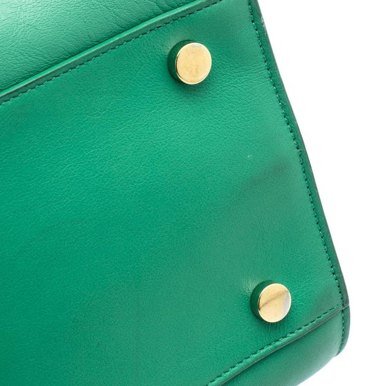 b2c329add27 Saint Laurent Paris Green Leather Small Classic Sac De Jour Tote For Sale 4