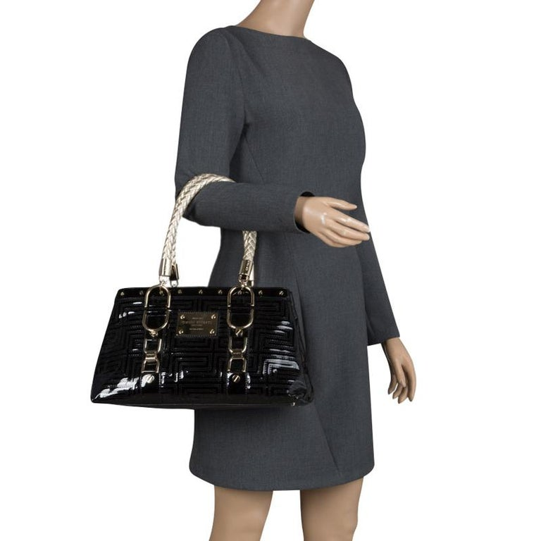 Versace Black Quilted Patent Leather Snap Out Of It Tote In Good Condition  For Sale In ca51eb33a0976