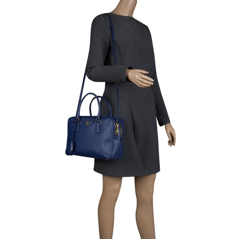 ac771a4a7be7 Prada Blue Saffiano Lux Leather Top Handle Bowling Bag In Good Condition  For Sale In Dubai