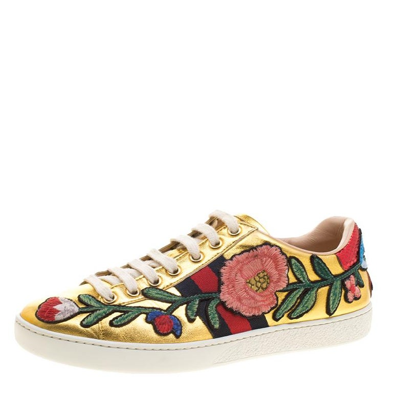 Gucci Gold Leather Ace Embroidered Low Top Sneakers Size 36.5 For Sale