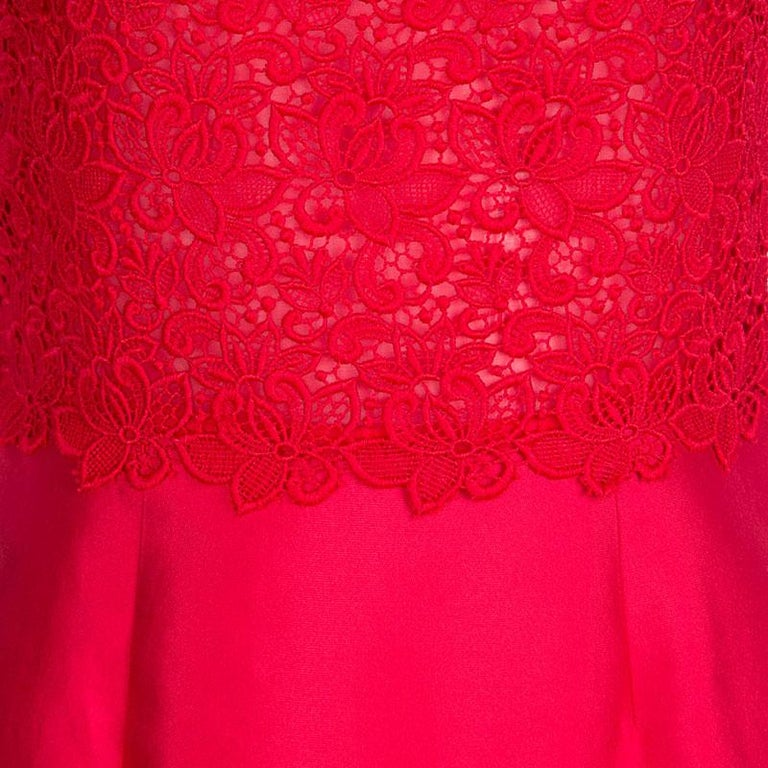 CH Carolina Herrera Red Lace and Organza Sleeveless Sheath Dress S For Sale 2