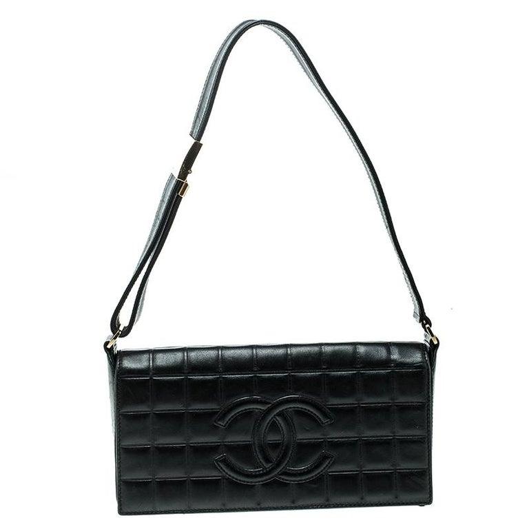 45c39ed2b949 Chanel Black Chocolate Bar Leather East West Shoulder Bag at 1stdibs