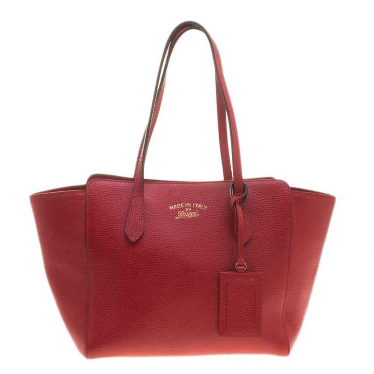 37a8f5f6b14e62 Gucci Red Leather Small Swing Tote at 1stdibs