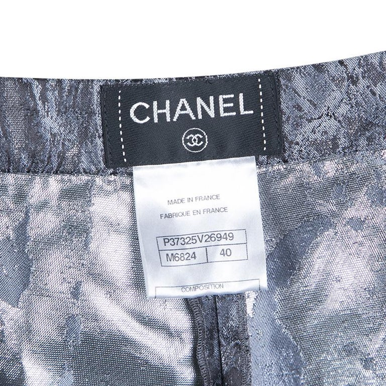 Chanel Metallic Jacquard Pleat Detail Damask Shorts M In Good Condition For Sale In Dubai, AE