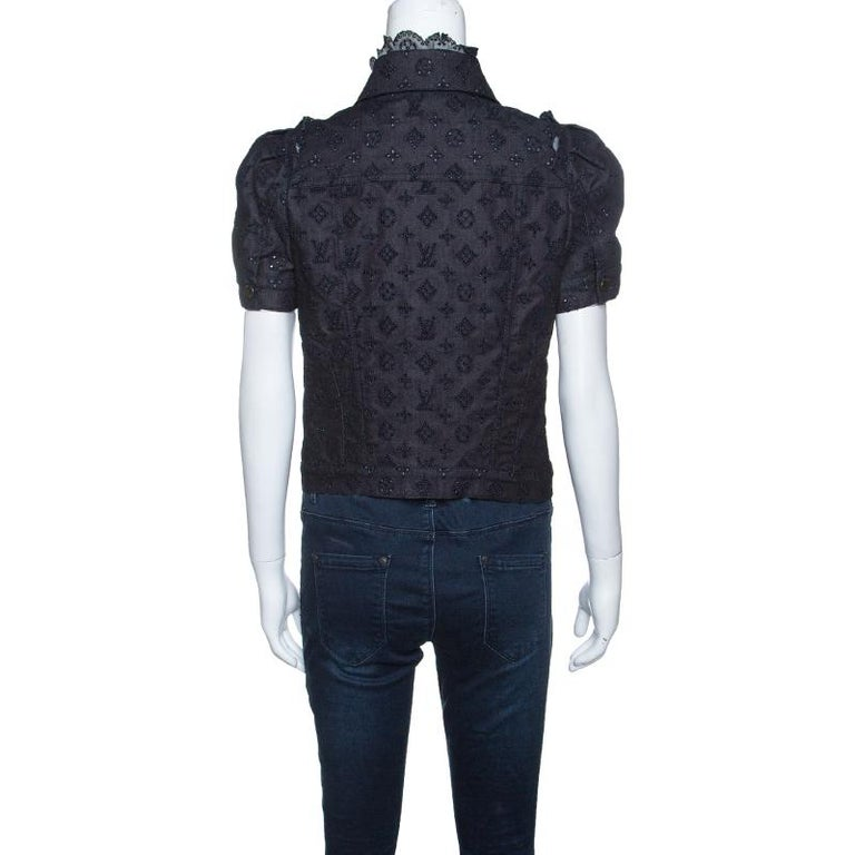 8f2d04d6841c Look smart and feminine in this beautifully designed Louis Vuitton shirt.  This button down shirt