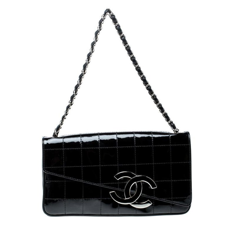 4af48f614182 Chanel Black Chocolate Bar Patent Leather CC Logo Chain Clutch