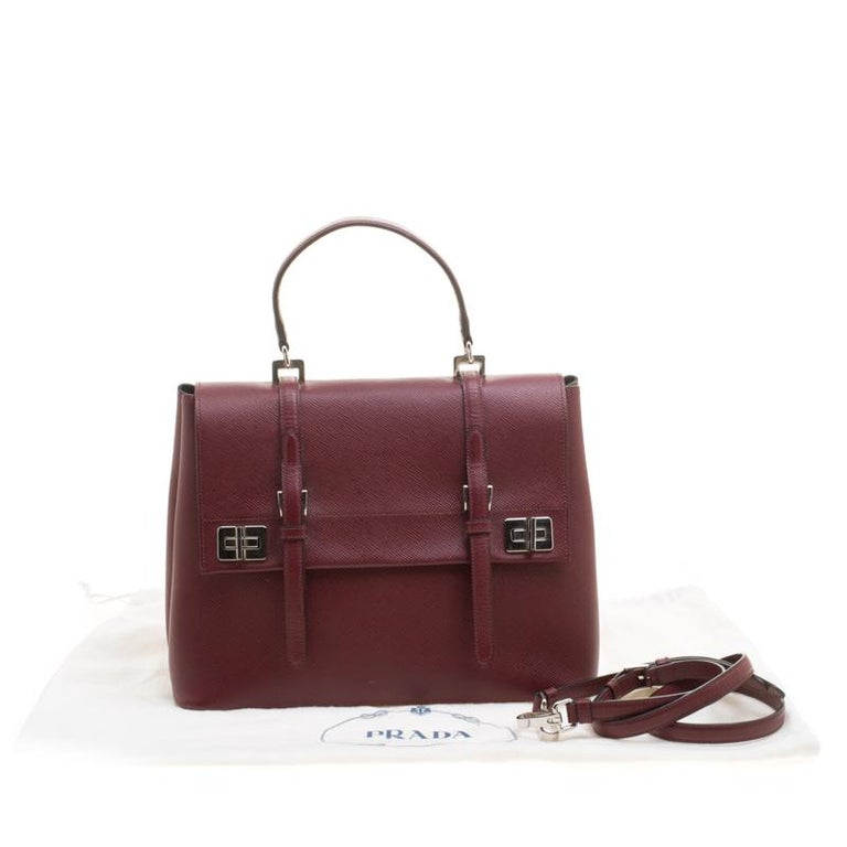 Prada Burgundy Saffiano Lux Leather Top Handle Bag In Good Condition For Sale In Dubai, AE