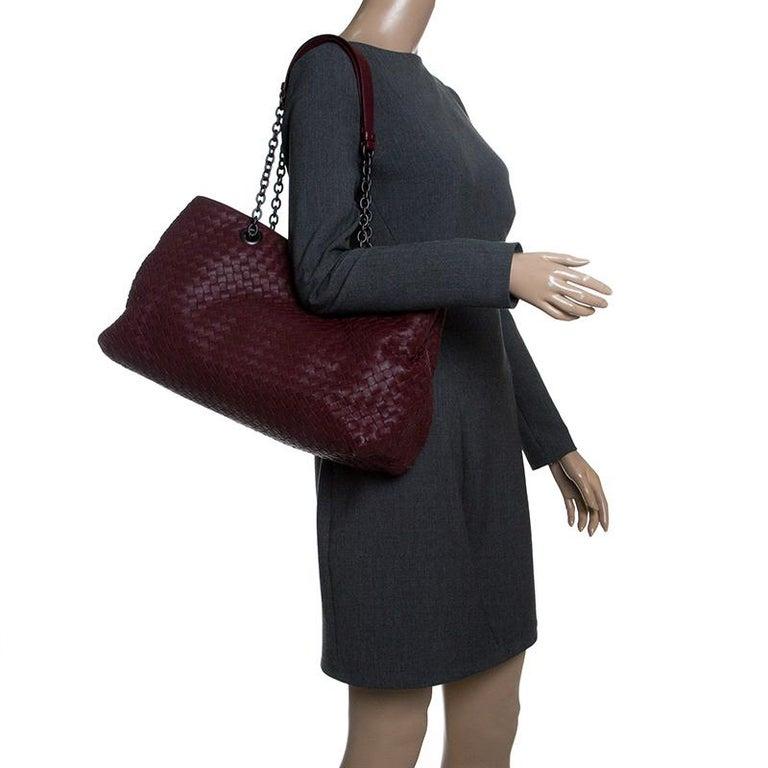 Black Bottega Veneta Burgundy Intrecciato Leather Double Chain Tote For Sale f53e8f4c270de