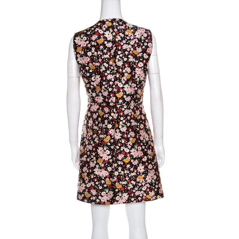 d64c7c8a23b The sweet and practical appeal of this sleeveless dress from Red Valentino  makes it a pleasant