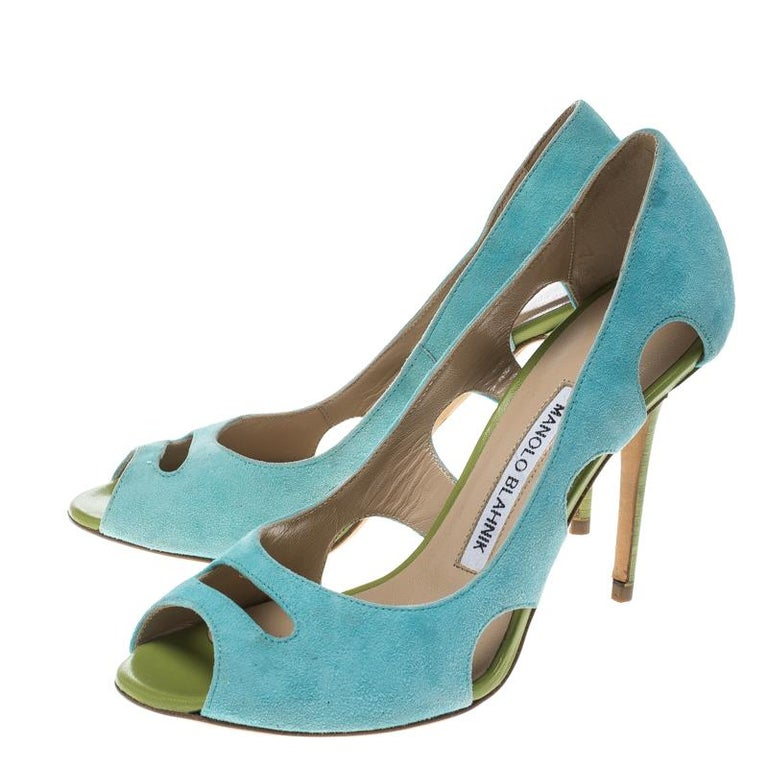 bc9813f83c Manolo Blahnik Aqua Green Suede Cutout Peep Toe Pumps Size 35.5 For Sale 2