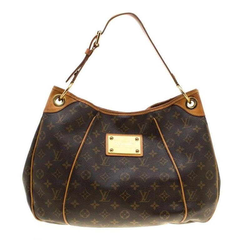 2bb4b03e2e24 Louis Vuitton Monogram Canvas Galliera PM Shoulder Bag For Sale at ...