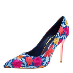 Manolo Blahnik Multicolor Floral Embroidered Fabric BB Flore Pointed Toe Pumps S