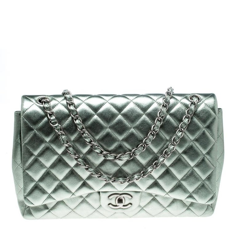 a4b5fe853901 Chanel Metallic Silver Quilted Leather Maxi Classic Double Flap Bag For Sale