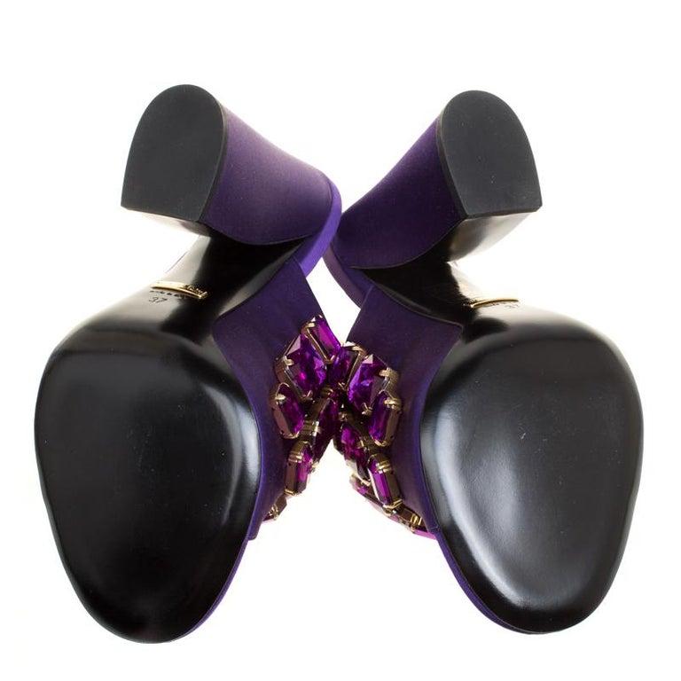 1f07decbd8d Women s Gucci Purple Satin Tessa Crystal Embellished Peep Toe Slide Mules  Size 37 For Sale