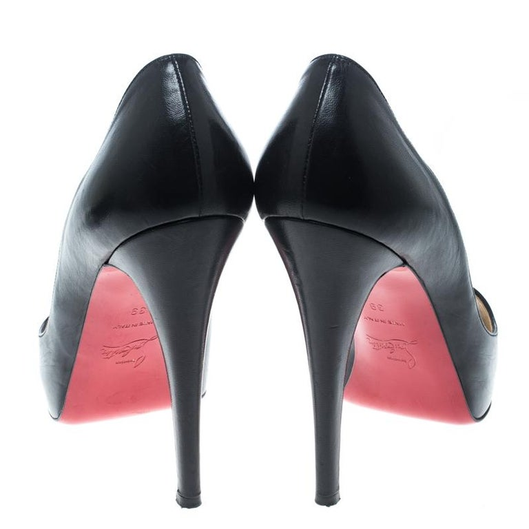 eb56196a534a Christian Louboutin Black Leather Vendome Peeptoe Platform Pumps Size 39 In  Good Condition For Sale In