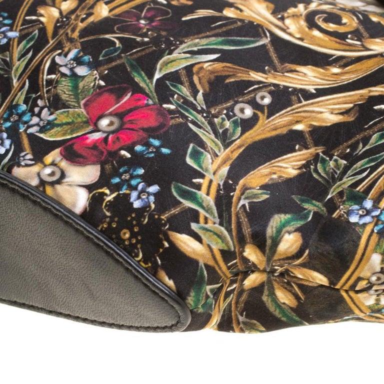 Alexander McQueen Multicolor Printed Fabric Medium De Manta Clutch For Sale 6