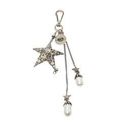 Alexander McQueen Juwelenbesetzte Silberfarbene Tasche