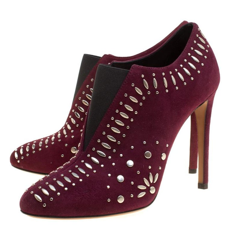 Alaia Burgundy Suede Stud Detail Booties Size 37 In New Condition For Sale In Dubai, AE