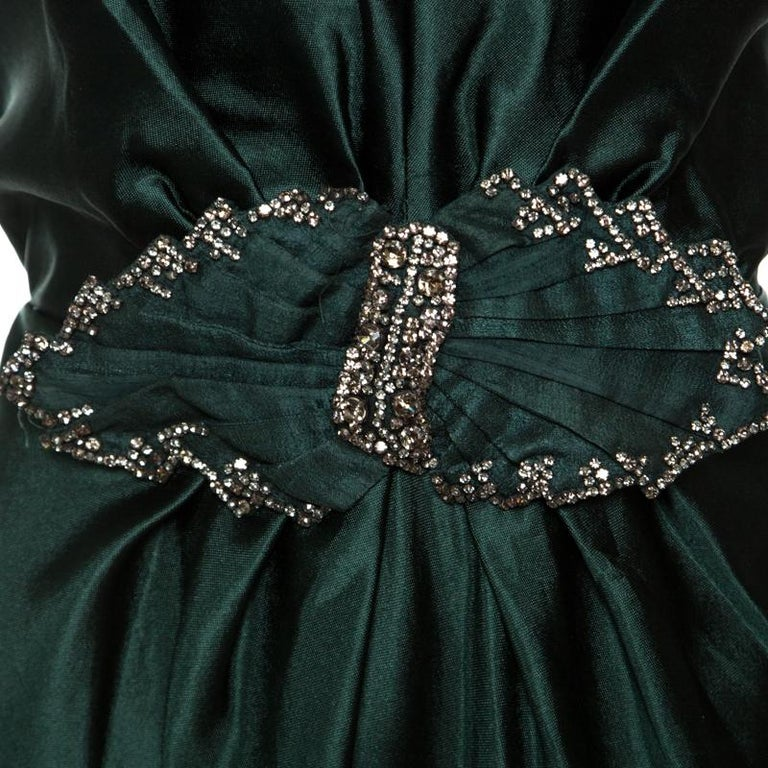 Alberta Ferretti Green Crystal Embellished Waist Detail Sleeveless Dress M In Good Condition For Sale In Dubai, AE