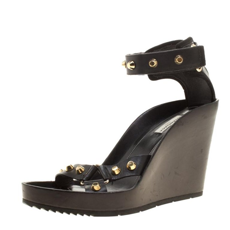 risparmia fino all'80% stile limitato prezzo folle Balenciaga Black Leather Arena Studded Wedge Sandals Size 41 at ...