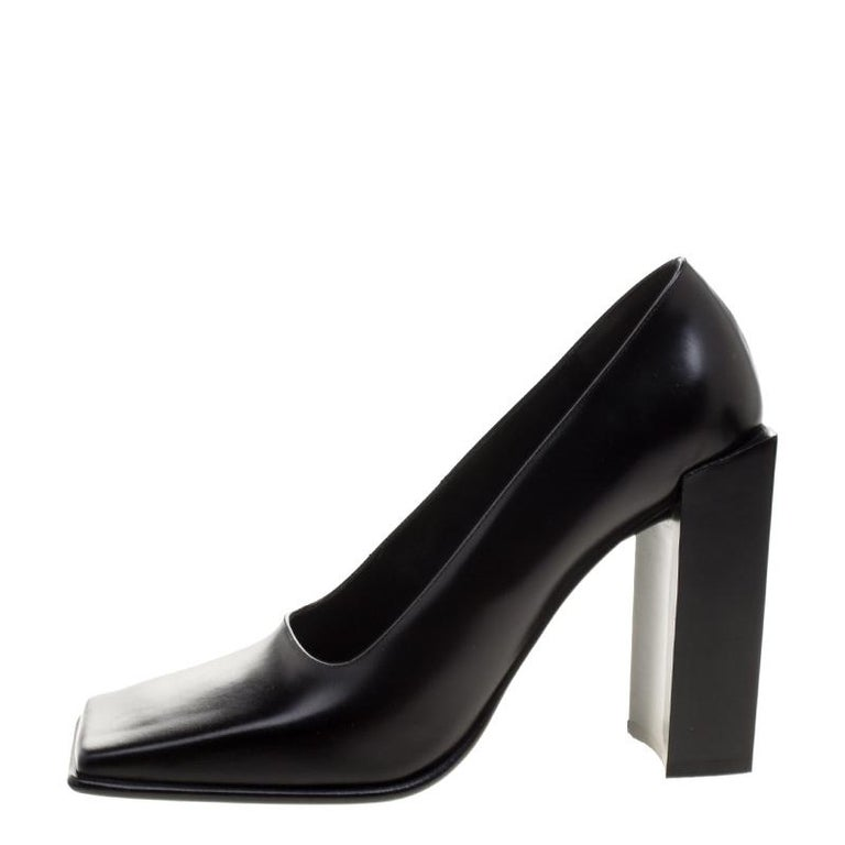9433da0ad0 Smart and chic this pair of block heel pumps from the house of Balenciaga  are designed