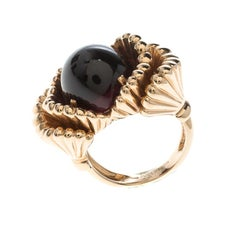 Boucheron Frou Frou Garnet Cabochon Yellow Gold Ring Size 50