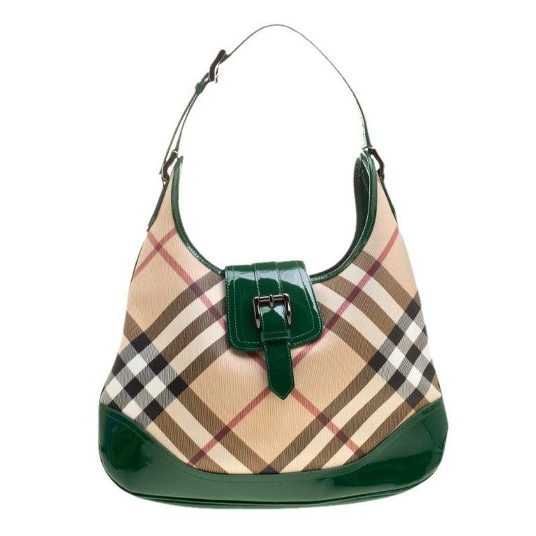 3f5561e4a4 Burberry Beige/Green Nova Check PVC and Patent Leather Brooke Hobo For Sale