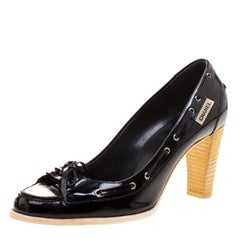 Chanel Black/White Patent Leather Bow Cap Toe Pumps Size 37.5