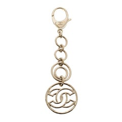 Chanel CC Round Links Gold Tone Key Ring
