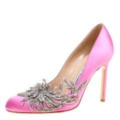 Manolo Blahnik Pink Satin Embellished Swan Pumps Size 38.5