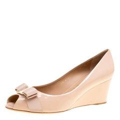 Salvatore Ferragamo Blush Pink Patent Leather Sissi Bow Peep Toe Wedge Pumps Siz