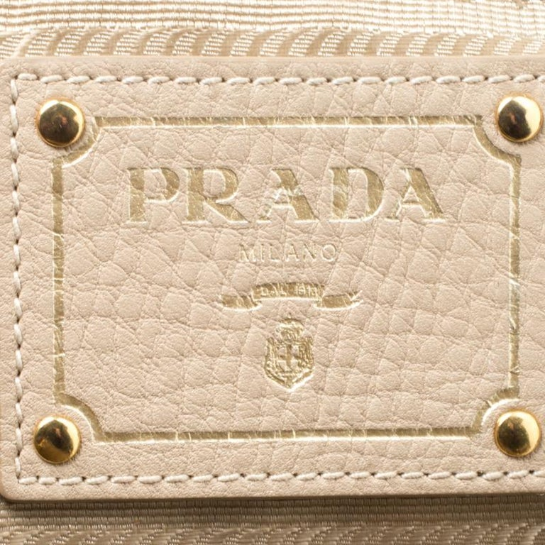 Women's Prada Beige Leather Vitello Diano Side Zip Tote For Sale