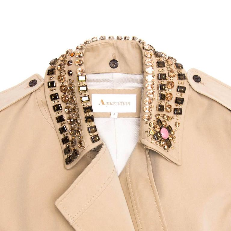 Aquascutum Khaki Jewel Collar Trench Coat In New never worn Condition For Sale In Brooklyn, NY