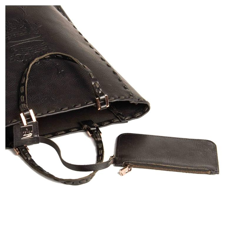 Women's Fendi Black Leather Medium Tote Bag For Sale
