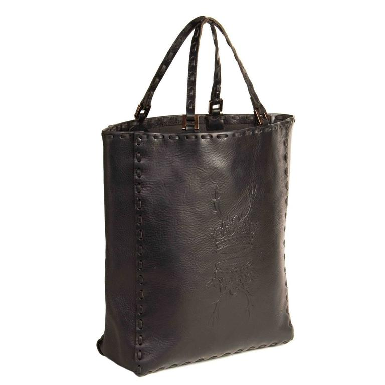 Fendi Black Leather Medium Tote Bag In Excellent Condition For Sale In Brooklyn, NY