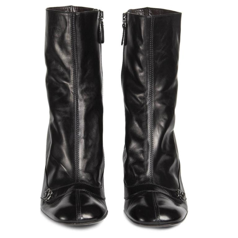 Chanel Black Round Toe Boots In New Condition For Sale In Brooklyn, NY