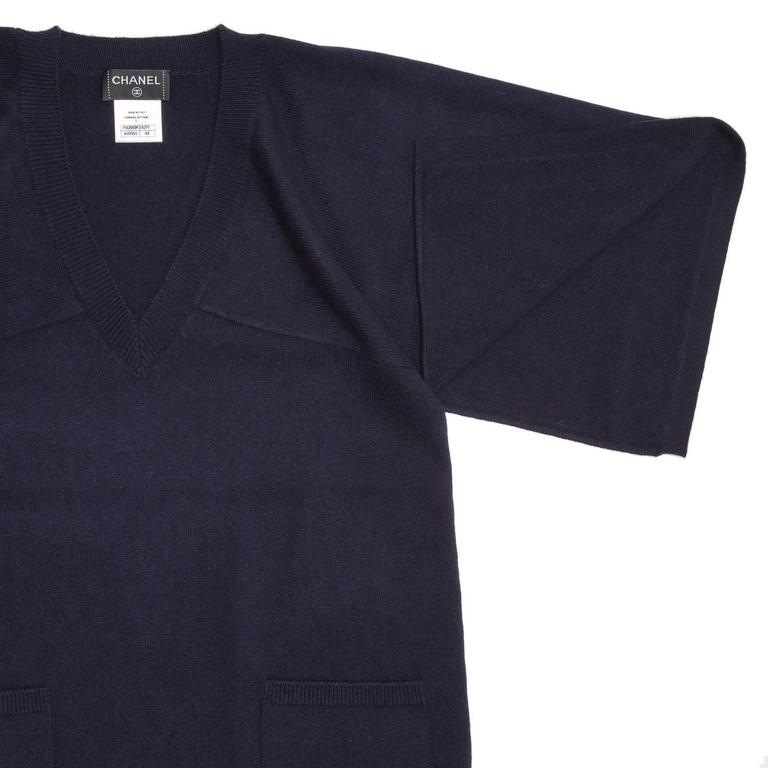 Chanel Navy Cashmere Short Kimono Style Sleeved Sweater In New Condition For Sale In Brooklyn, NY