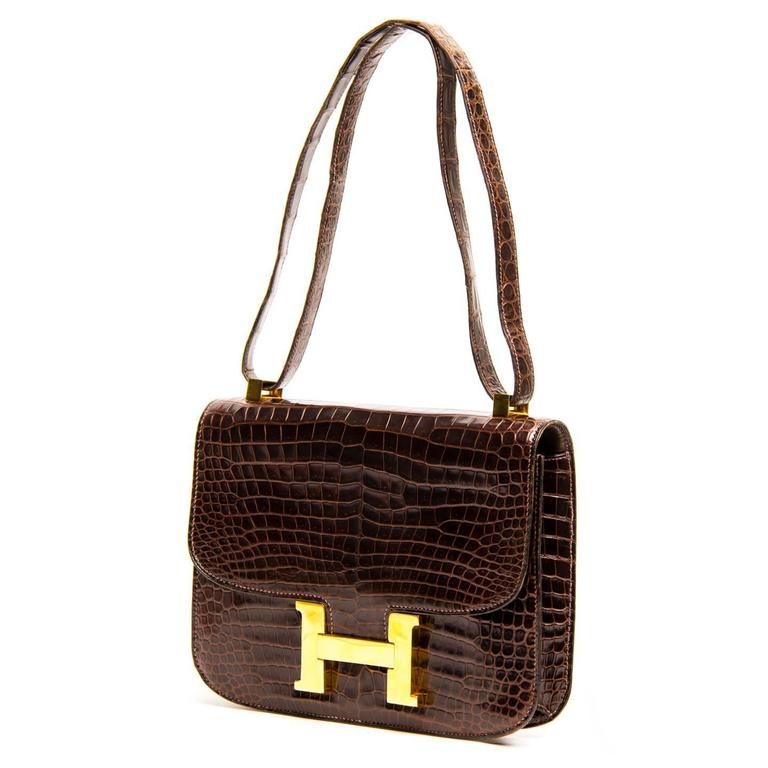Black Hermès Brown Crocodile Constance 23cm Bag For Sale