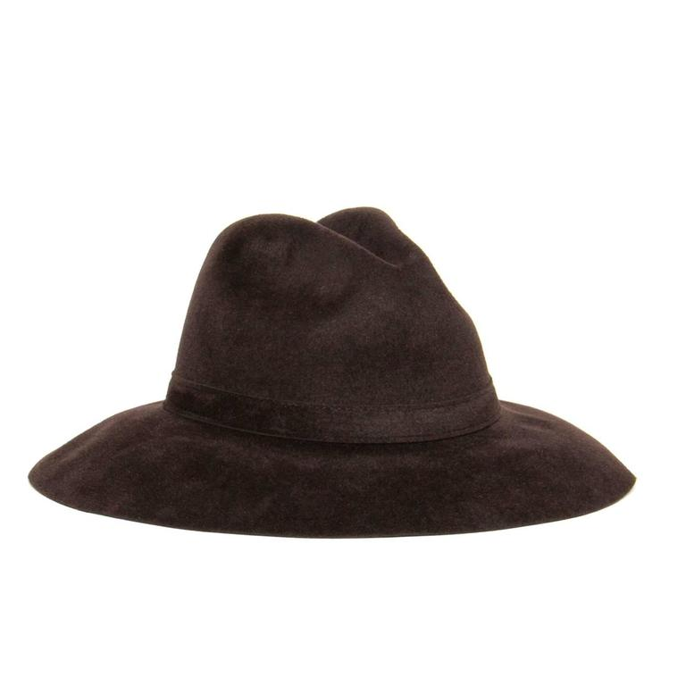 Gucci Brown Rabbit Hair Hat In New never worn Condition For Sale In Brooklyn, NY