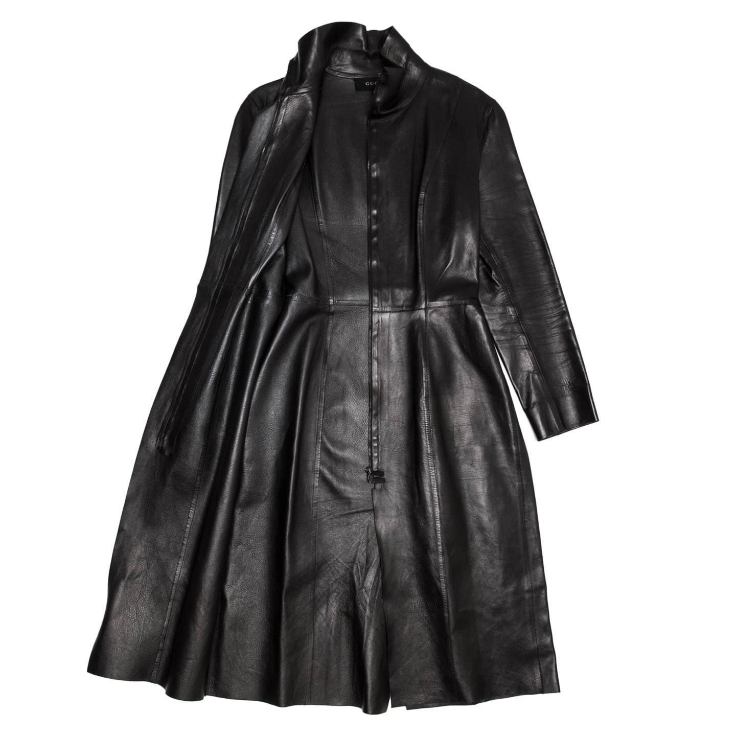 A men's XL long leather coat has the practicality of a working overcoat and the flair of something much more overtly stylish, and its heavy leather makeup means that it is durable and will last for years so long as it is cared for properly. You can find a men's long leather coat in the vast inventory on eBay.
