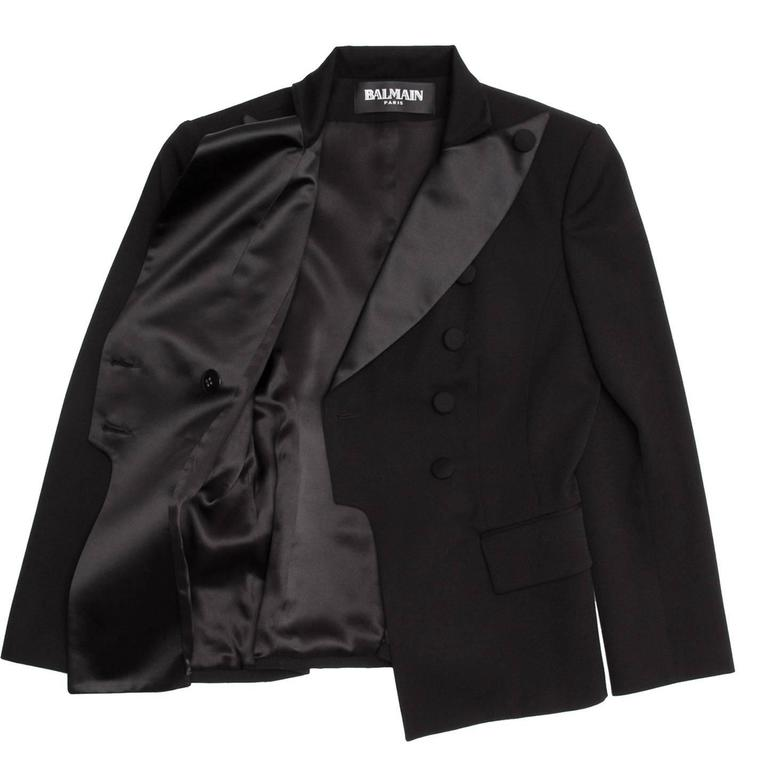 Balmain Black Wool Tuxedo Jacket In Excellent Condition For Sale In Brooklyn, NY