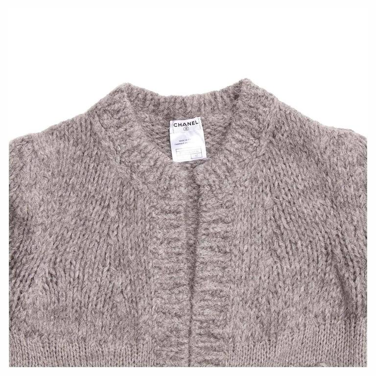 Chanel Grey Cashmere, Angora and Chinchilla Cropped Cardigan In Excellent Condition For Sale In Brooklyn, NY