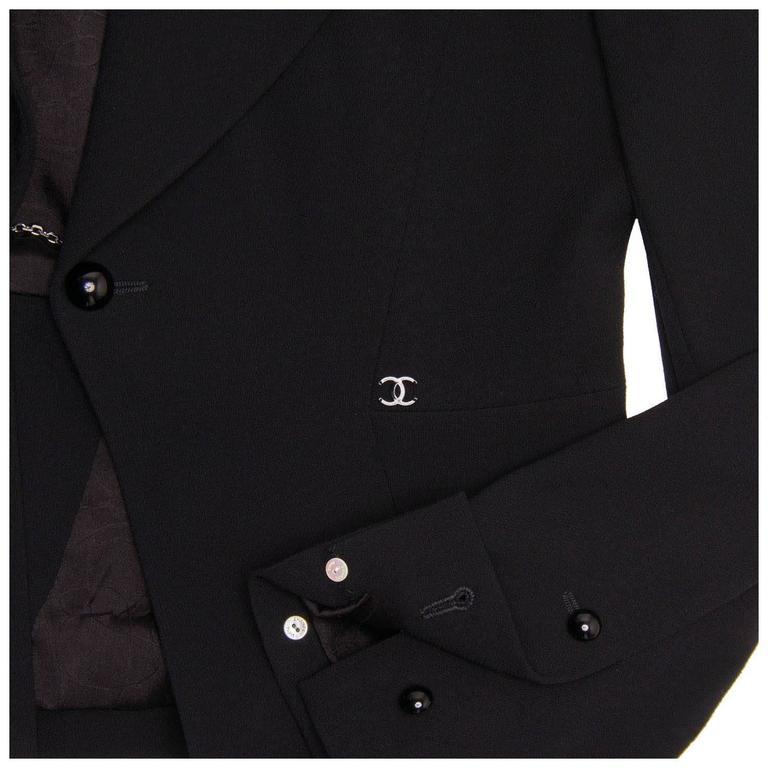 Chanel Black Wool Short Blazer with Peplum Detail 6