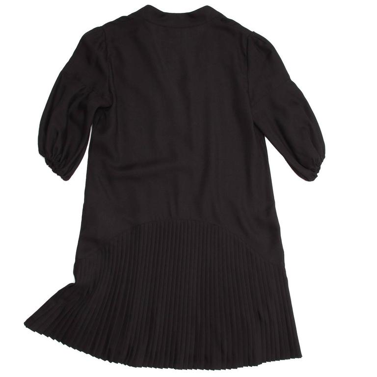Givenchy Black Wool Pleated Dress In New never worn Condition For Sale In Brooklyn, NY