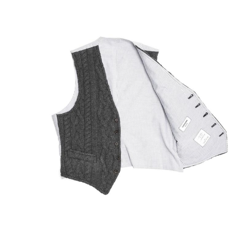 Thom Browne Dark Grey Knit Cashmere Vest In Excellent Condition For Sale In Brooklyn, NY