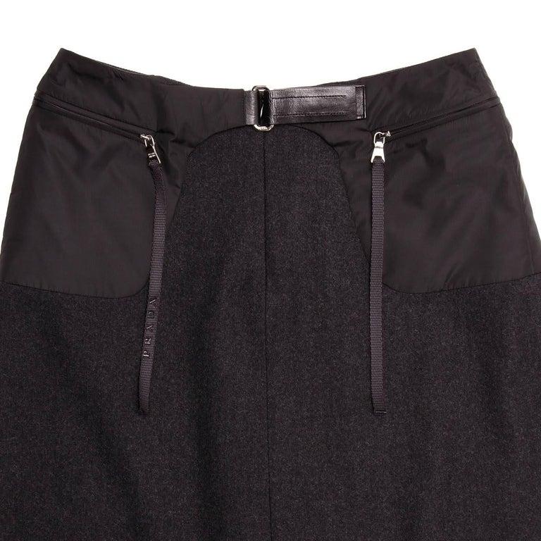 Women's Prada Charcoal Grey Wool Pleated Skirt For Sale